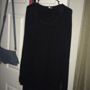 Black tunic openings on side of sleeve